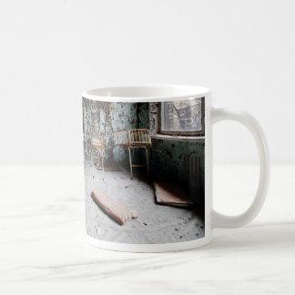 Kinderkrankenzimmer Coffee Mugs