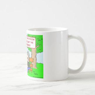 king bums kept damage deposit overthrow coffee mug