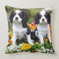 King Charles Spaniel puppies Throw Pillows