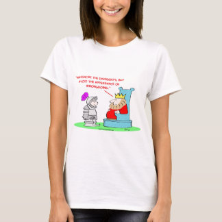 king massacre dissedents appearance wrongdoing T-Shirt