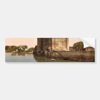 King Rene's Castle, Tarascon, Pyrenees, France vin Bumper Sticker