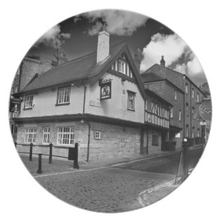 Kings arms. The pub that floods. Plate