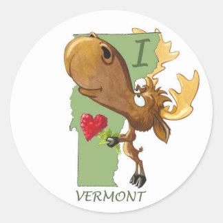 "Kirby the Moose Vermoosin' ""I Heart Vermont"" Classic Round Sticker"
