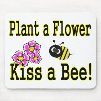 Kiss a bee with pink flowers mouse pad