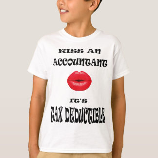 KISS AN ACCOUNTANT T-Shirt