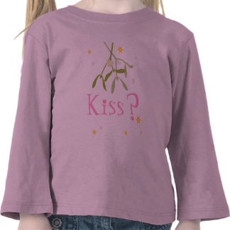 Kiss? Christmas pink kids fun top T-shirt
