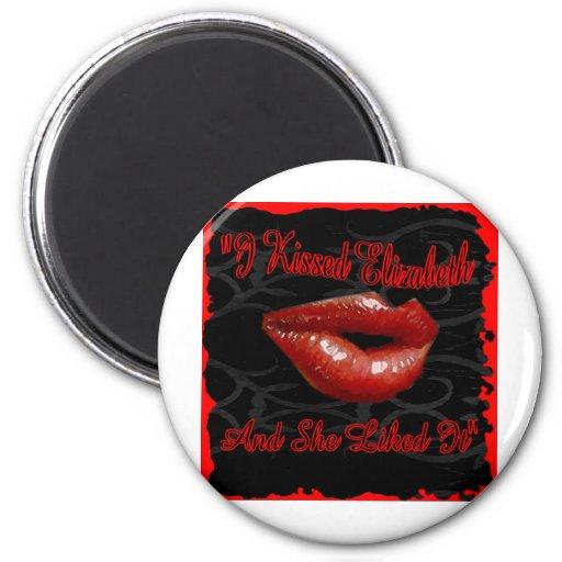 Kiss Elizabeth Magnet