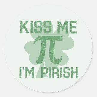"""Kiss Me, I'm Pi-rish"" Classic Round Sticker"