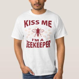 Kiss Me I'm A Beekeeper T-shirt