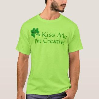 KISS ME, I'M CREATIVE T-Shirt