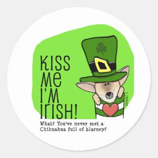 Kiss Me I'm Irish, Chihuahua Round Stickers