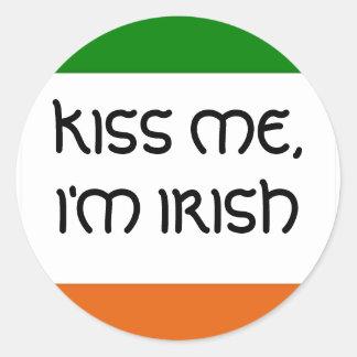 KISS ME, I'M IRISH CLASSIC ROUND STICKER