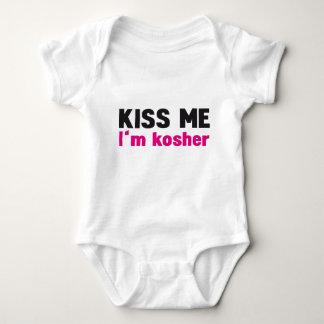 Kiss me i'm kosher baby bodysuit