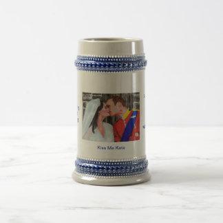 Kiss Me Kate - The Royal Seal -kiss- pastel art Beer Stein