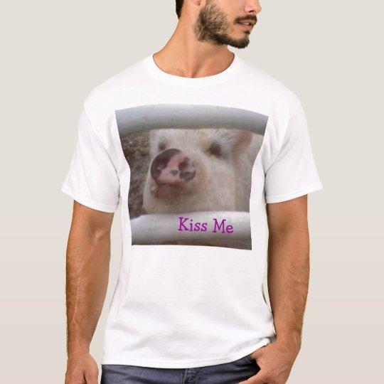 Kiss Me Pig T-Shirt