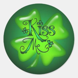 KISS ME SHAMROCKS by SHARON SHARPE Classic Round Sticker