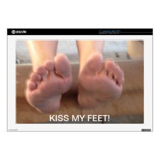 "KISS MY FEET! SKIN FOR 17"" LAPTOP"