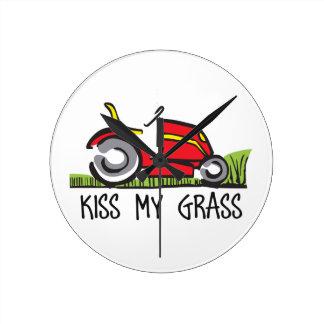 KISS MY GRASS ROUND WALL CLOCKS