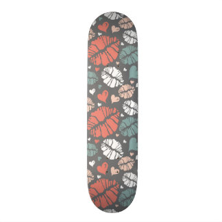 Kiss Print And Heart Pattern Skateboard Deck