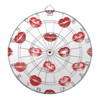 Kiss this! dartboard with darts