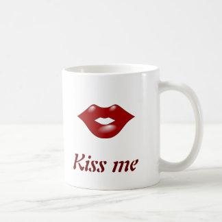 kissing lips mug