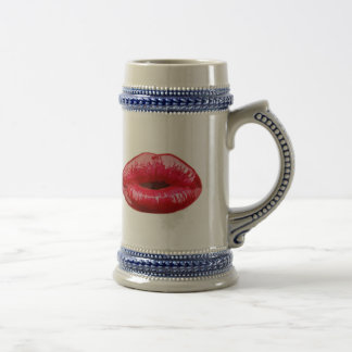 Kissing lips! 18 oz beer stein