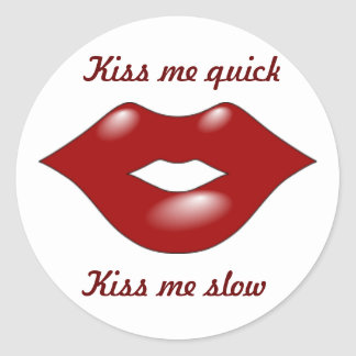 kissing lips round stickers