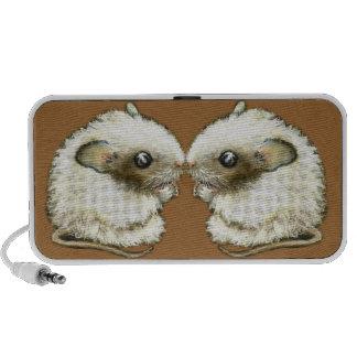 Kissing mice portable speaker