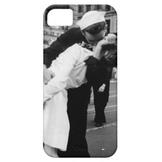Kissing the War Goodbye at Times Square iPhone SE/5/5s Case
