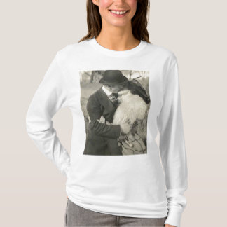 Kissing with fur shirt