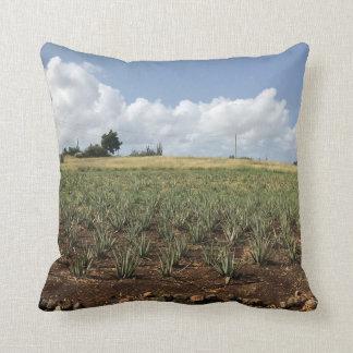 Kissings with aloe Vera print plantation Throw Pillow