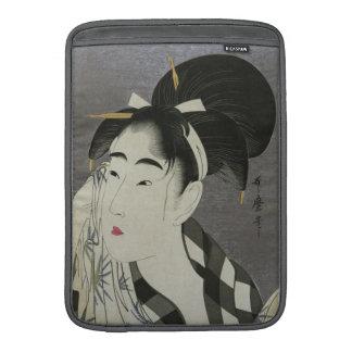 "Kitagawa Utamaro's Ase O Fuku Onna 13"" sleeve MacBook Sleeves"