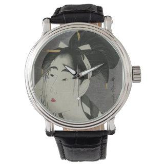 Kitagawa Utamaro's Ase O Fuku Onna watches