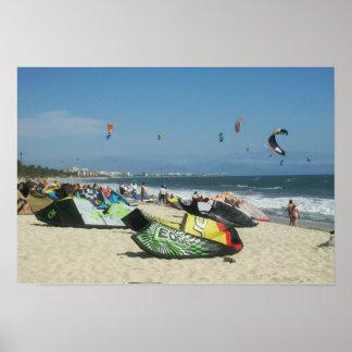 Kiteboarding en la playa México de Bucerias Póster