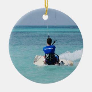 Kitesurfing tropical ornamente de reyes
