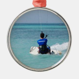 Kitesurfing tropical ornato