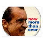 Kitsch retro Nixon del vintage ahora más entonces  Tarjeta Postal