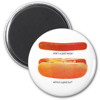 Kitsch Vintage Hot Dog 'Weiners & Buns' Magnet