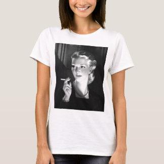 Kitsch Vintage Smoking Cigarette Pin-Up Girl T-Shirt