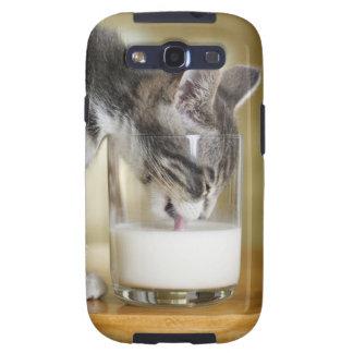 Kitten drinking milk from glass samsung galaxy s3 case