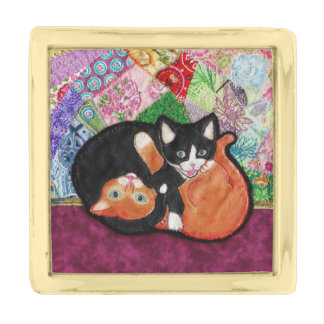 Kittens Playing On Heirloom Quilt Gold Finish Lapel Pin