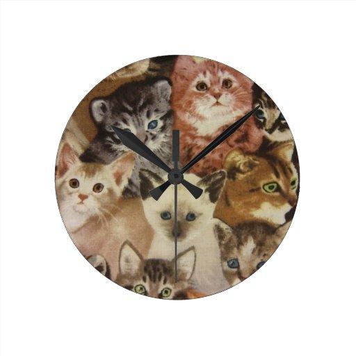Kittens Round Clocks