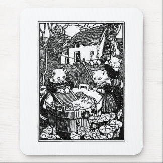 Kittens Washing Mittens Nursery Rhyme Mouse Pad