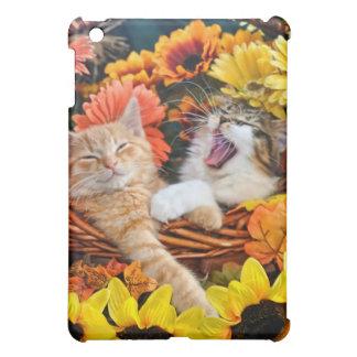Kitty Cat Roaring, Cute Kittens in Love, Flowers Case For The iPad Mini
