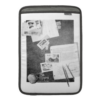 KIW Sparks: Mr Bedford & Mini-Clues Rickshaw MacBook Sleeve