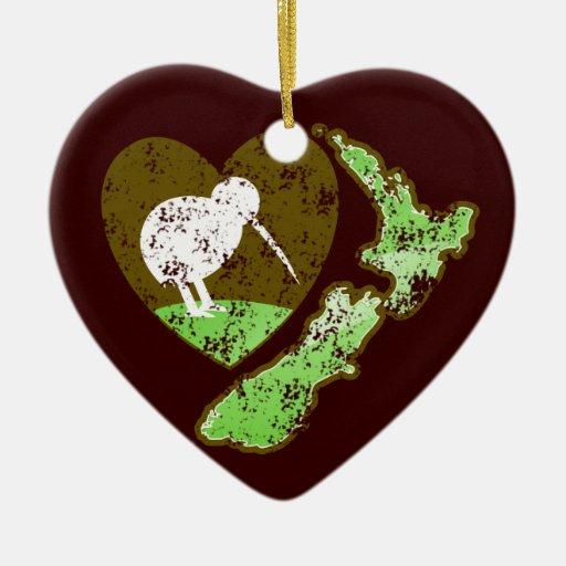 Kiwi bird new zealand with a love heart ornaments for Decoration kiwi