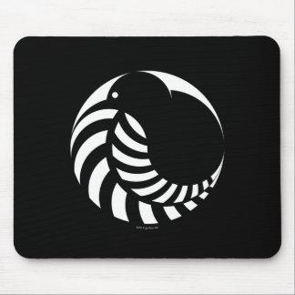 Kiwi de NZ/emblema del helecho de plata Tapetes De Ratones