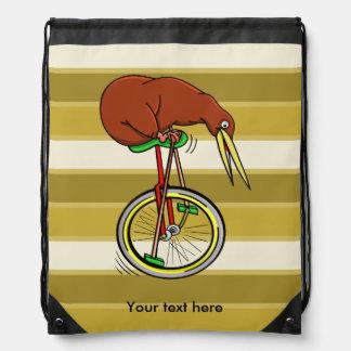 Kiwi que monta un ejemplo divertido del Unicycle Mochilas