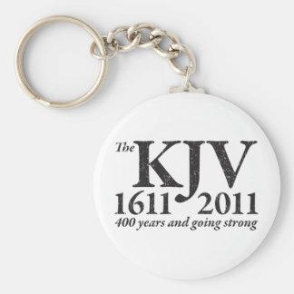 KJV todavía que va fuerte en el negro apenado Llavero Redondo Tipo Pin