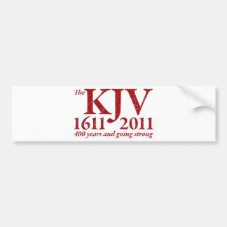 KJV todavía que va fuerte en el rojo apenado Pegatina Para Auto
